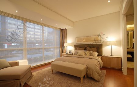 白色简约卧室