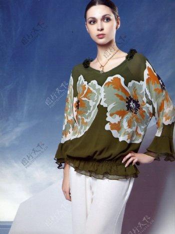 嘉时莉品牌形象代言人时尚性感美女中国传统纹样服饰人物图库摄影图库600DPIJPG图片