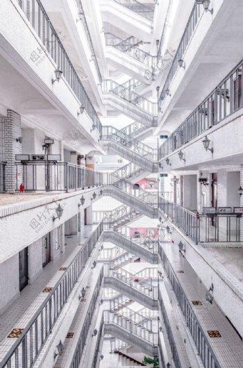 纯白室内建筑摄影