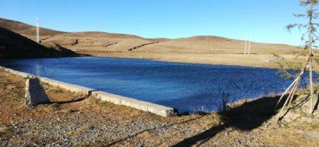 高原大山湖泊风景