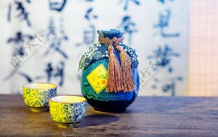 酒壶酒杯传统复古背景海报素材图片