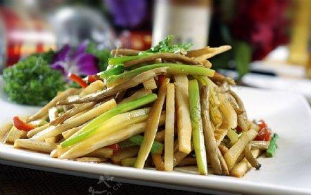 芦笋炒茶树菇图片