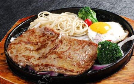 白菜叶炒羊肉图片