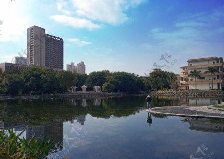 广西大学碧云湖图片