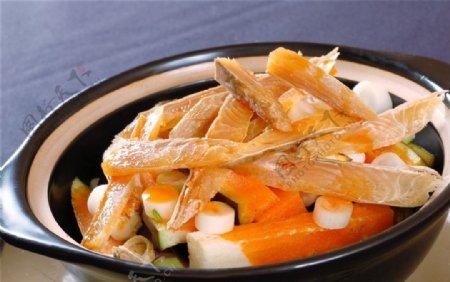 热咸鱼茄子煲图片