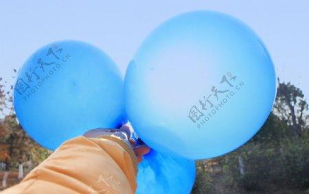 蓝色气球图片