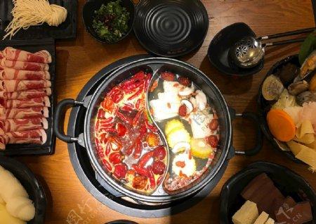 美食鸳鸯火锅图片