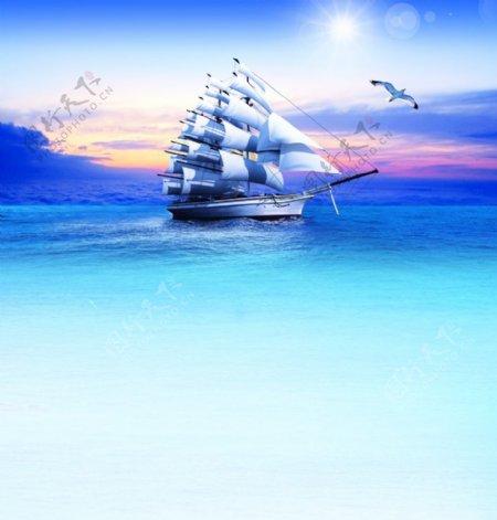 帆船扬帆起航图片